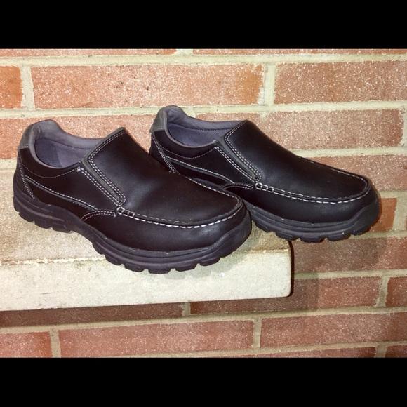 skechers relaxed fit memory foam leather